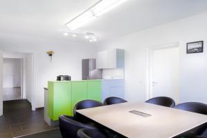 Küche und Plauder-Kajüte im CoWorking Space Leuchtturm